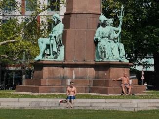 Budapest-StatueNudes0079a