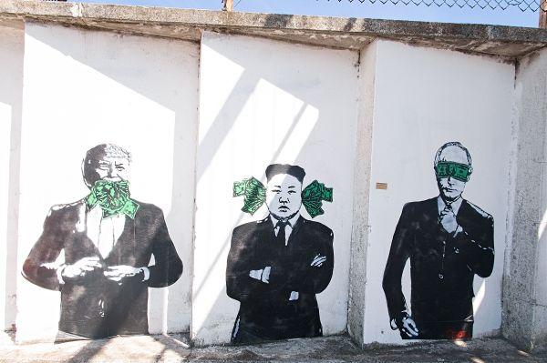 Libon-BanksyExhibit1240422.jpg